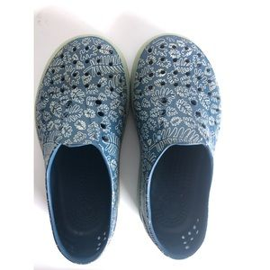 Kids Native rubber shoes boys size 12